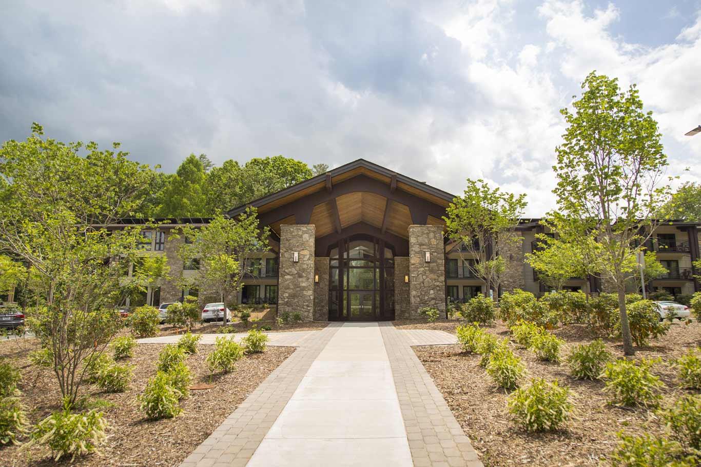 Newly renovated Kanuga Lake Inn welcomes summer guests   Kanuga
